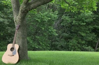 Diferentes tipos de madera para guitarras acústicas