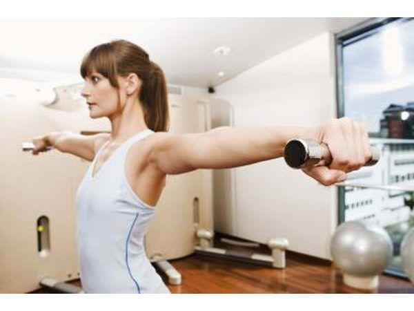 El ejercicio con pesas ligeras.