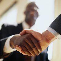 relaciones fiduciarias se basan en la confianza, con acuerdos formales prestan servicios de auditoría legal.