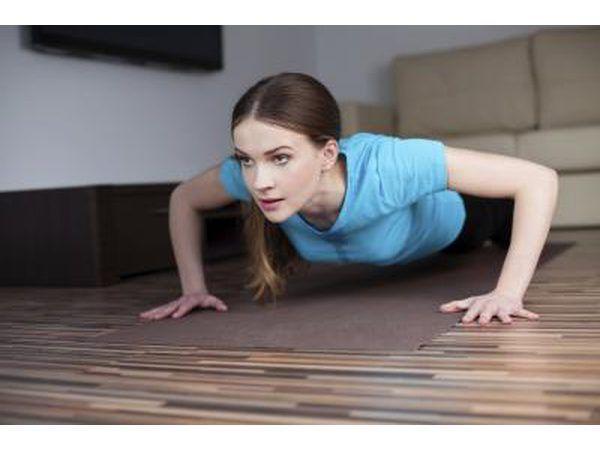 Concéntrese en ejercicios de pecho como pectorales.