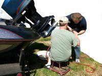 mecánicos de mantenimiento reparar o mantener diferentes tipos de maquinaria.