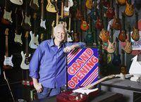 Gran apertura de la tienda de la guitarra.