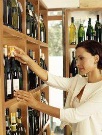 En la mayoría de los estados, tiendas de licores sólo podrán adquirir mercancías de proveedores autorizados.