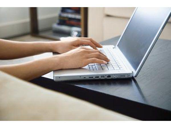 Solicitar un puesto de inspector de estado a través de sitios web de búsqueda de empleo.