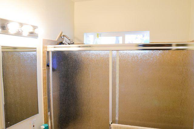 Cómo curar una pequeña habitación con ventilación deficiente