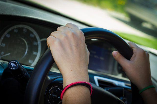 Cómo ejercitar en su coche