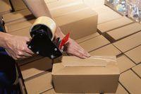 Si necesita materiales de envío para su negocio, hay varias maneras de obtener el gratis.