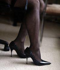 Puede usar zapatos o insertos de tacón alto para aumentar su altura después de 23 años.