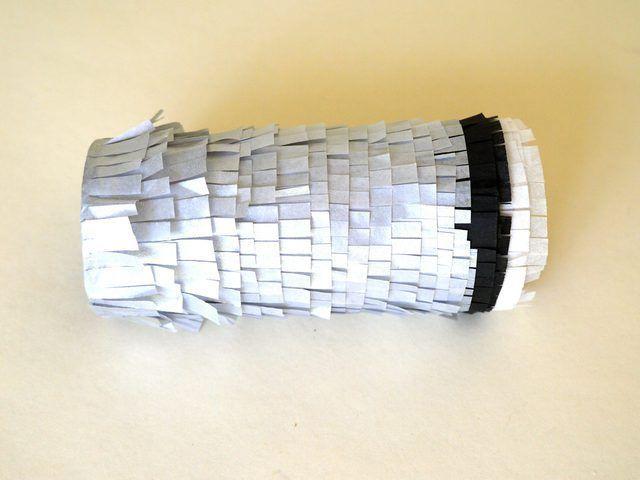 Cubrir el resto del rollo con la franja metálica.