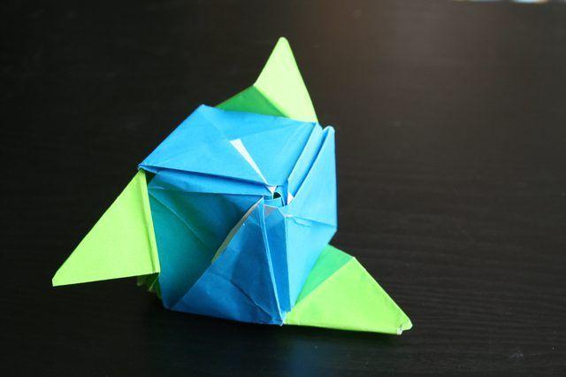 Cómo hacer un cubo de Origami Rose mágica