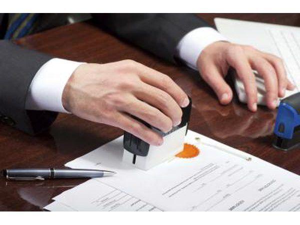 Contratar a un notario público durante una hora.