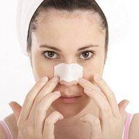 Cómo utilizar tiras de la nariz para eliminar los puntos negros