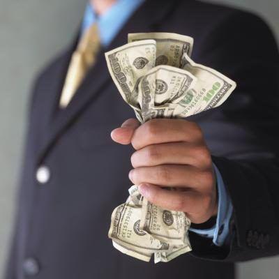 La educación y la experiencia juegan un gran papel en la cantidad de dinero que gana en un trabajo.