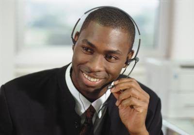 profesionales de la administración deben entender una empresa`s general office procedures, including phone protocol.