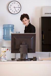 reglas de pago de horas extras se aplican a algunos trabajadores en West Virginia.