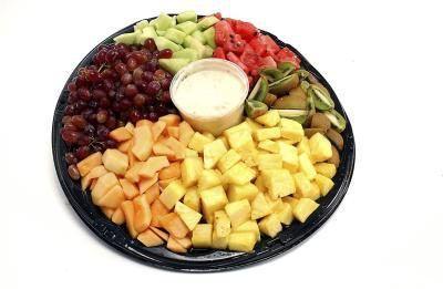 bandejas de frutas son buenas para los grupos de la iglesia.