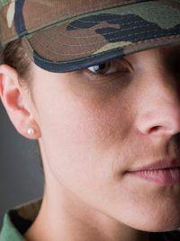 capitanes del ejército son responsables de dirigir soldados a la batalla.