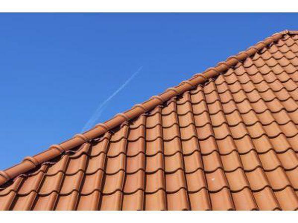 Si usted tiene un color verde baldosas de terracota techo es una buena opción para un color de acabado.