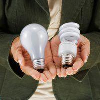 Diferentes diseños de las bombillas se utilizan para iluminar estructuras diferentes.