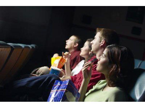 Un viaje a la sala de cine puede ser divertido para el cumpleaños de niño o niña o amigos.