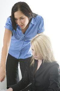 empleadores individuales pueden llegar a las definiciones de tiempo completo y los empleados a tiempo parcial.