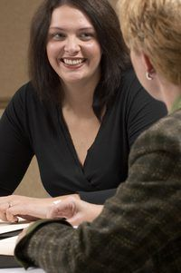 Un consultor interno se construyen las relaciones dentro de una empresa.